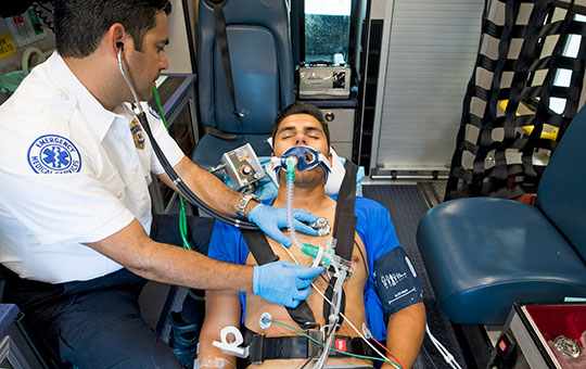 MEDUMAT Easy CPR emergency ventilator in an ambulance